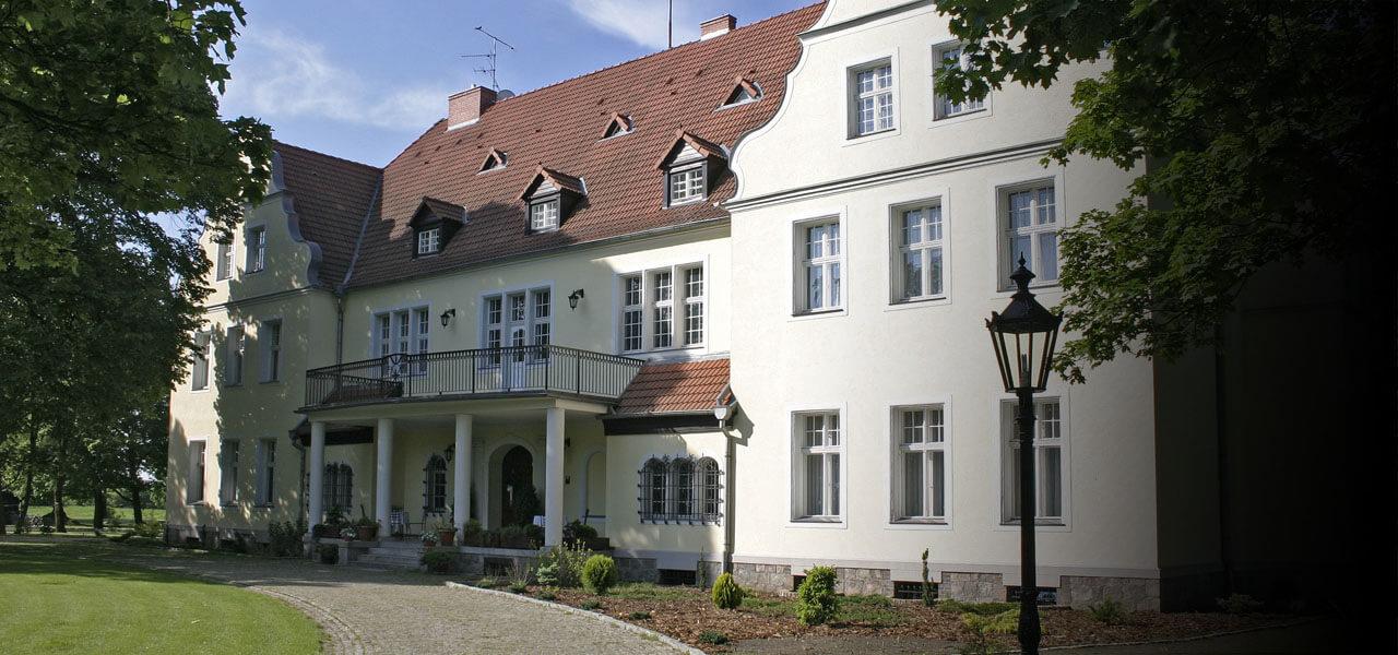 pałac szczepowice lato
